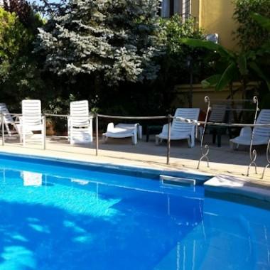 Villa medici : hotel con piscina a Napoli