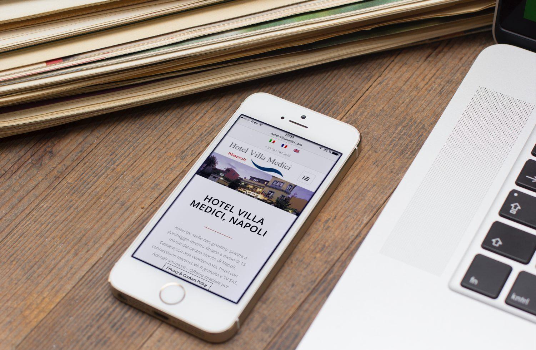 Creazione sito web Hotel Villa Medici Napoli, Italia: smartphone Version (Iphone)